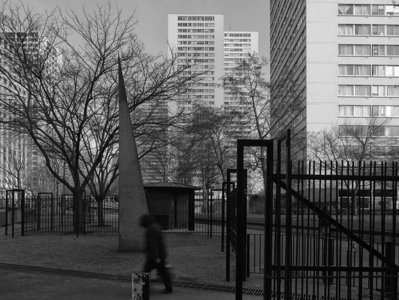 Er heerste in Frankrijk en daarbuiten het idee dat de moorden op de een of andere manier te maken hadden met de banlieues. Maar het is niet gemakkelijk om een direct verband te leggen. – © Pierre-Olivier Deschamps / Hollandse Hoogte