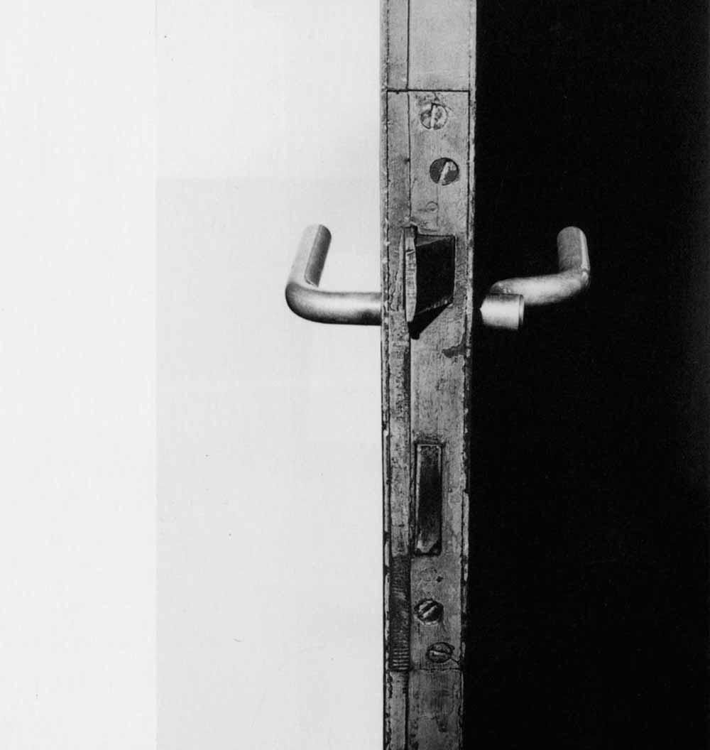 De buisvormige deurkruk die Wittgenstein ontwierp voor het huis van zijn zus Gretl is ook in de eenentwintigste eeuw nog onverminderd populair.
