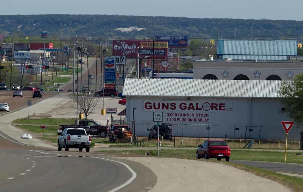 Wapenwinkel Guns Galore in Texas, waar twee daders van massale schietpartijen hun wapens kochten. – © Robert Daemmrich / Getty Images
