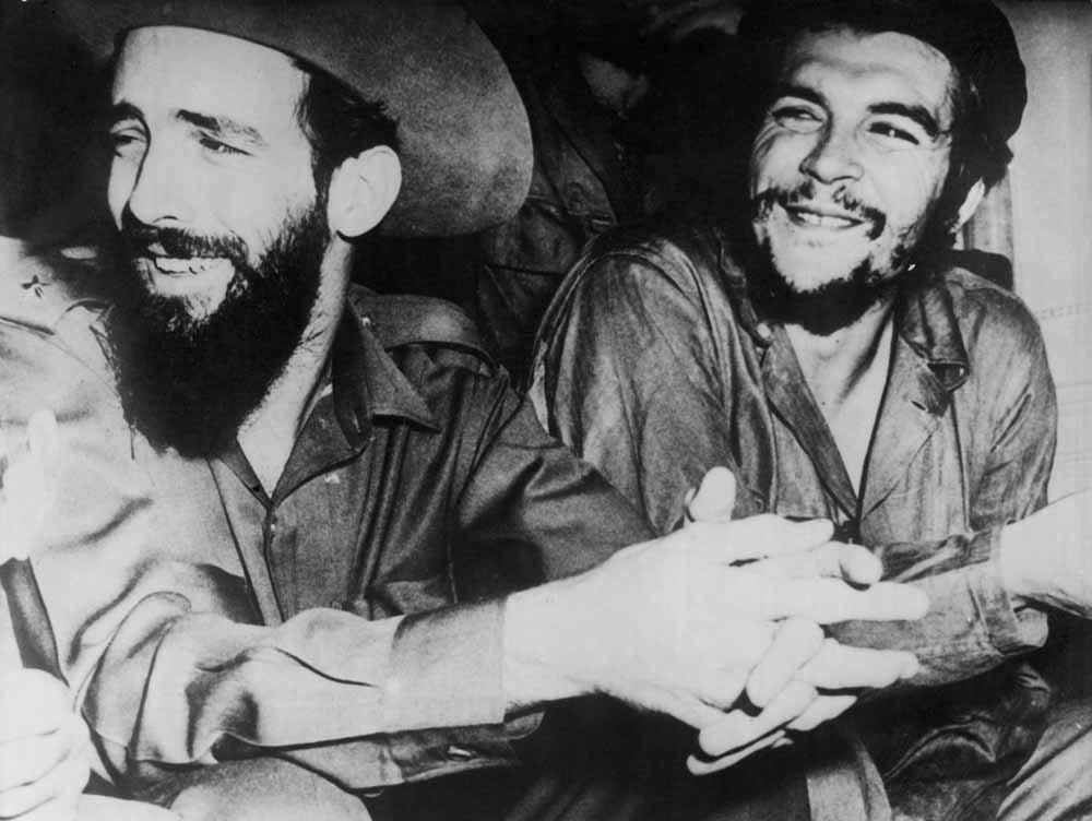 Fidel Castro en Che Guevara, 1959. – © Camera Press / PR / Lat.